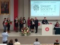 Вручення відзнаки про співпрацю декану Світлані Волошанській