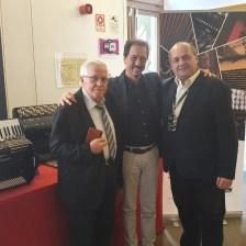 На згадку із Жаком Морне (Франція) та Паоло Піччіо, представником фабрики акордеонів BUGARI Armando (Кастельфідардо, Італія)