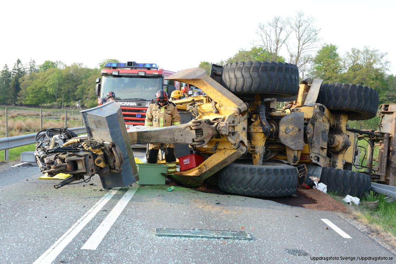 SJBO Traktorgrvare vlte vid olycka  Uppdragsfoto Sverige