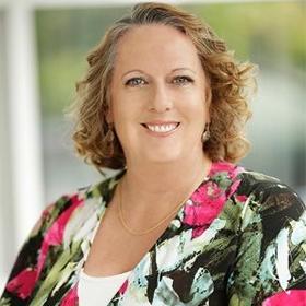 Dr Fiona Davis