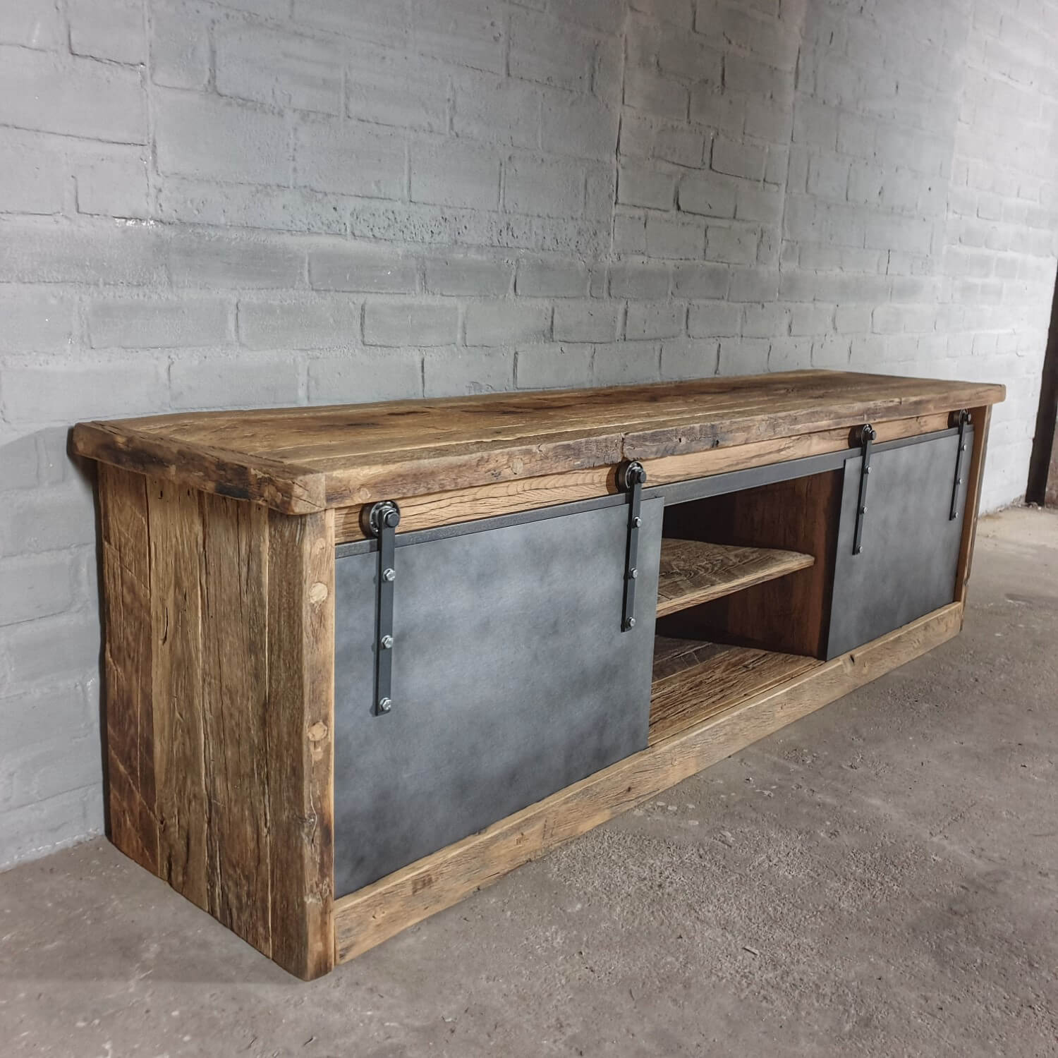 Tv Board Industrial Industrial Tv-cupboard In Old Oak With Steel Sliding Doors - Dt69