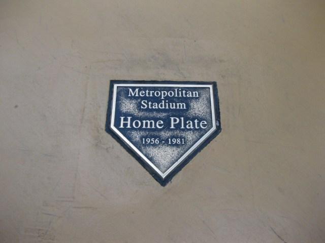 Met Stadium home plate
