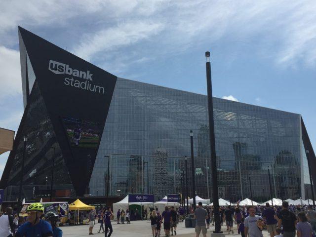 U.S. Bank Stadium Minnesota Vikings events parking seating hotels food