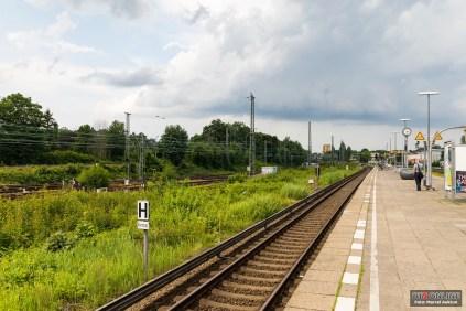 Und der Blick in Richtung Eidelstedt. Drei Bahnsteige werden neben dem S-Bahnhof entstehen.