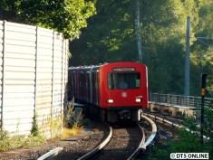 Kurze Zeit später erreicht der DT2 780/768/771/782 die Haltestelle Sengelmannstraße.