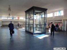 Der Fahrstuhl ist seit Mitte August nicht mehr hinter Bauwänden versteckt.