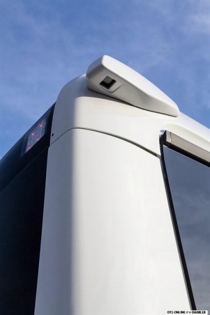 Hinten besitzt der Bus eine Rückfahrkamera pro Seite.
