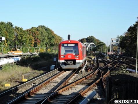 Dieses Jahr leider nicht dabei war die S-Bahn-Hamburg. Hier erreicht der Zug 4012 den Bahnhof Ohlsdorf