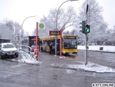 """Schneefotos von Bussen mit dem """"M"""" bleiben rar. Ab Fahrplanwechsel in nunmehr drei Wochen schon entfällt das M"""