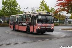Zu guter letzt verlässt Schnellbus 6416 den Quickborner Bahnhof, ein Daimler-Benz O 305 aus 1984.
