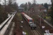 Über Maschen geht es dann für die DT3-Einheiten nach Hennigsdorf zu den Fahrzeugwerken Miraustraße, wo sie für zehn weitere Jahre fit gemacht werden sollen. Dort befinden sich auch noch die Einheiten 873 und 905, wann diese fertig sind, ist mir nicht bekannt.