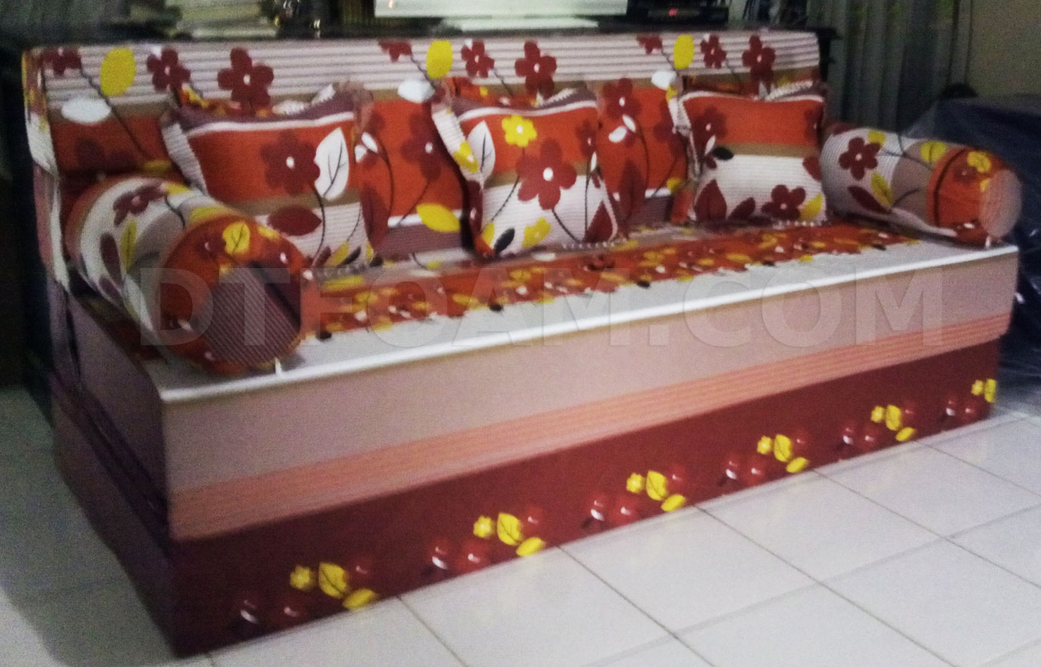 sofa bed lipat murah di surabaya white leather sleeper with adjule arms super kasur inoac autumn merah maroon dtfoam com