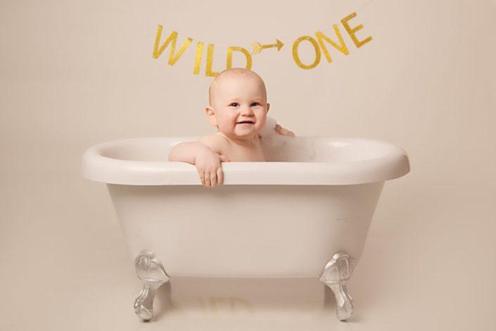 Cake Smash Glasgow - baby in big bath