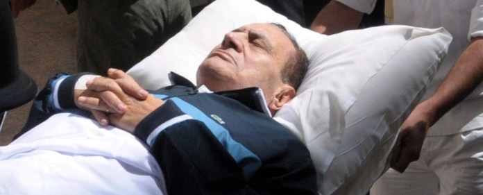 Ägyptische Ärzte kämpfen um das Leben von Mubarak