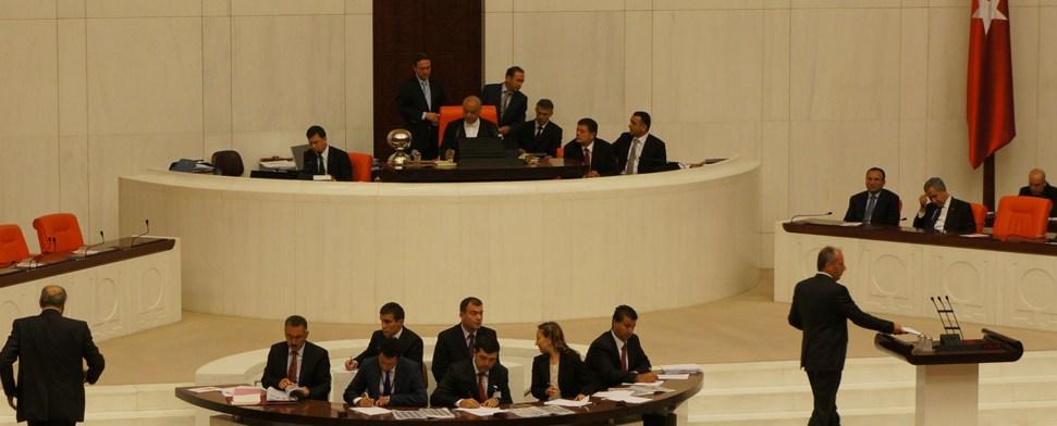 Türkisches Parlament genehmigt Antrag auf Intervention
