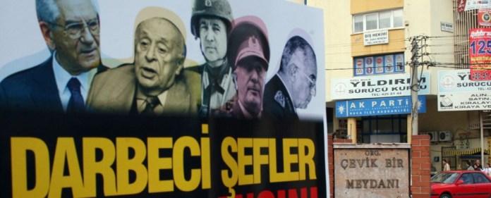 """Der postmoderne Putsch vom 28. Februar und die """"Diktatorenlehrlinge"""""""
