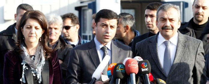 """Öcalan zum Newroz-Fest: """"Dauerhafte Friedenslösung für das Land"""""""