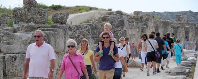 Türkische Riviera: Touristenboom in Antalya