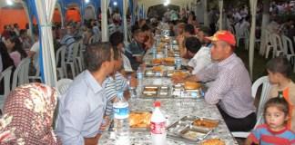 Ramadan-Feeling in Iftar-Zelten