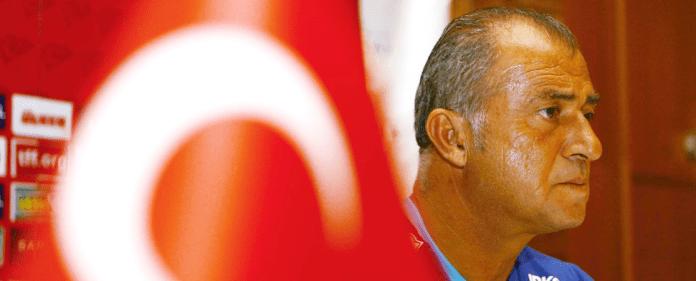 Fatih Terim übernimmt zum dritten Mal die türkische Fußball-Nationalmannschaft.