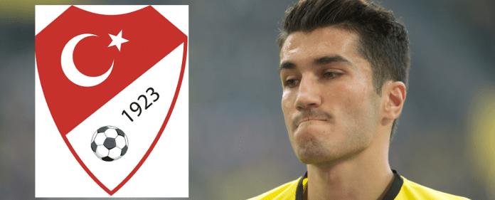 BVB-Star Nuri Sahin und das Logo des türkischen Fußballverbandes.