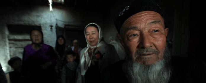 Uighuren bei einer Hochzeit.