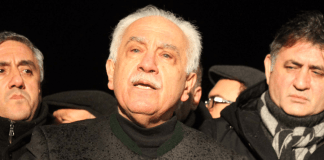 Dogu Perincek nach der Freilassung. cihan