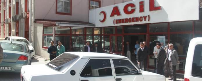 In Urfa und Hatay kamen bei Zusammenstößen acht Menschen ums Leben.