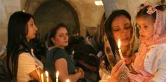 Christen in Mardin während des Osterfestes 2008.