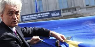 Erste Tendenzen bei den Europawahlen: Während die UKIP einen Erfolg verbuchen kann, rutscht der Rechtspopulist Wilders in den Niederlanden ab.