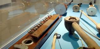 Der deutsche Sammler Dr. Wolfgang Ott hat 250 Instrumente aus seiner Kollektion, welche die kulturellen Besonderheiten der fünf Kontinente reflektiert, dem İbrahim-Alimoğlu-Musikmuseum des Landeskonservatoriums der Afyon-Kocatepe-Universität (AKÜ) geschenkt.