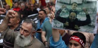 Der Tod von Uğur Kurt löste Proteste aus. Allein in Istanbul gingen mehr als 10000 Menschen auf die Straße und gedachten dem Getöteten.