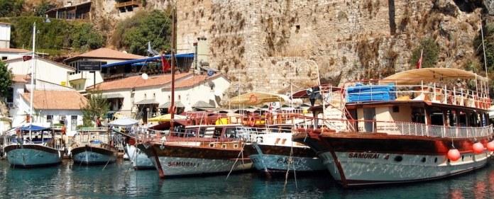 """Bereits Atatürk bezeichnete sie als """"die schönste Stadt der Welt"""": Antalya."""