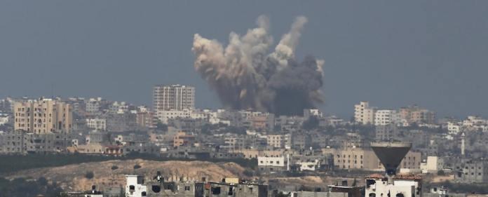 Die Feuerpause ist beendet. Aus Gaza werden umgehend Raketen auf Israel abgefeuert, die israelische Luftwaffe fliegt mehrere Luftangriffe. Jetzt fürchten die Menschen im Gazastreifen eine neue Runde im verheerenden Krieg.