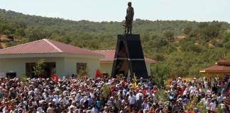 Die PKK hat im Osten der Türkei eine Statue für einem gefallenen PKK-Kämpfer errichtet. Der als Held verehrte Mann war beim ersten terroristischen Angriff der PKK am 15. August 1984 beteiligt, bei dem auch ein türkischer Soldat getötet wurde.