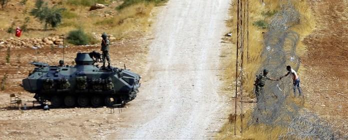 Zwei IS-Granaten treffen die Türkei. (dpa)