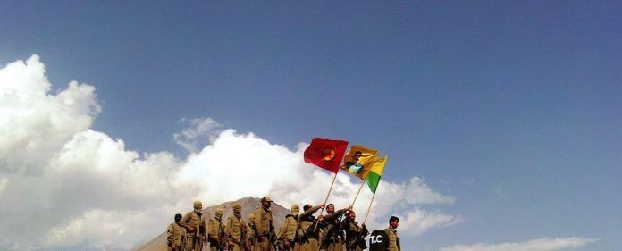 """Die Türkei gerät in der Region zunehmend zwischen die Stühle. Ihre Haltung gegenüber dem IS wird nicht nur von den USA kritisiert, sondern beeinflusst auch den Friedensprozess mit der PKK. Abdullah Öcalan warnt bereits vor einem """"großen Krieg""""."""