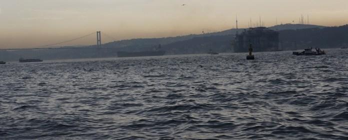 Tragödie in Istanbul: Ein junges Paar aus der Mongolei, das sein Valentinstagswochenende in Istanbul verbringen wollte, ist im Bosporus ertrunken.
