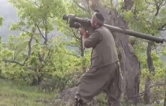 PKK-Kämpfer mit Flugabwehrrakete
