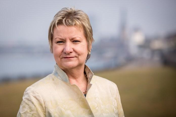 NRW-Schulministerin Löhrmann