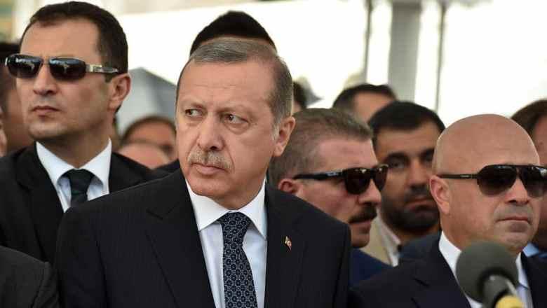 """Erdogan kritisiert USA: """"Warum schenkt ihr Terroristen Waffen?"""""""