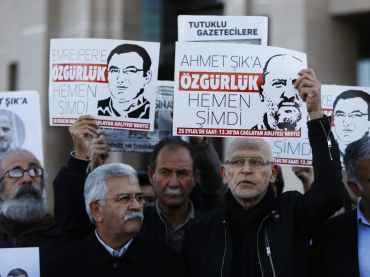 «Cumhuriyet» Online-Chef Oguz Güven zu mehr als drei Jahren Haft verurteilt