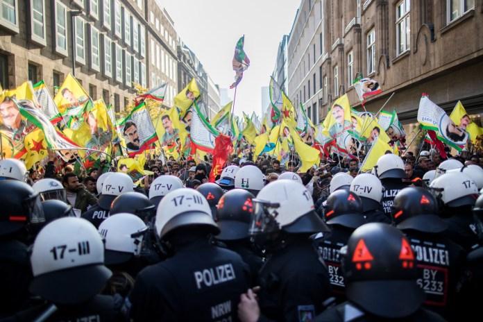 PKK Demo in Düsseldorf