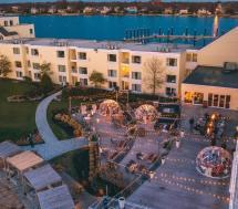 Hang In Igloo Gurney' Newport Resort Rhode