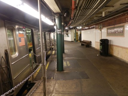 The station's curved platform is one of the smallest in the New York City Subway system, with a floor area of only 1,560 square meters (16,800 square feet).