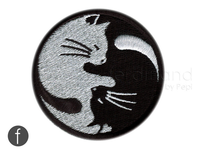 yin yang kitty cats