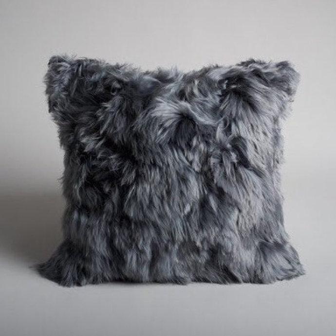 grey alpaca fur pillow preciosa almohada de alpaca piel de felpa muy suave baby alpaca suri cusco peru