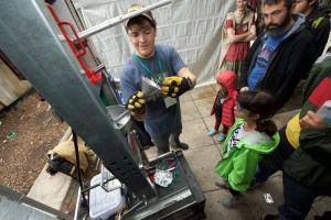 Bruce demonstrating his molding techniques