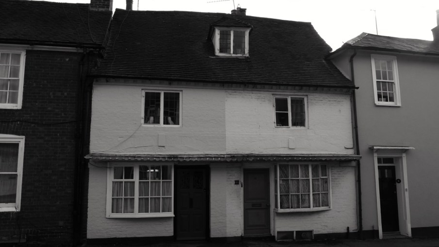 10 & 12 6 & 8 Sheep St Petersfield C18