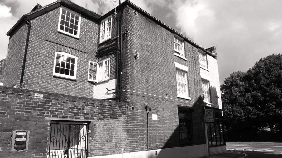 44 (East) Queens St Portsmouth C19